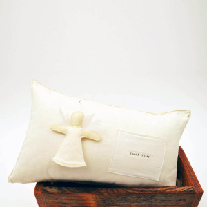 Gifts-for-Kids-Vancouver-tooth-fairy-pillow